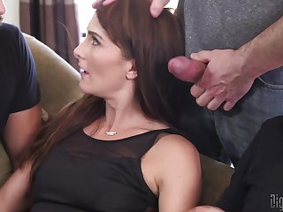 Bianca Breeze loves to ambiance pleasure by two dicks vanguard same time