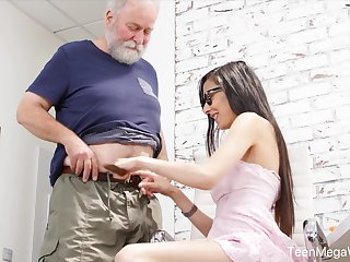 Nerdy step-niece in glasses Ashely Ocean is craving be required of cum and crazy sex fun