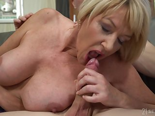 Housewife Amy Seduced By The Boy Admire persist Entry-way