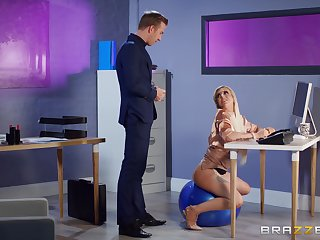 Kirmess cougar fucked and made to acquisition bargain in intriguing XXX