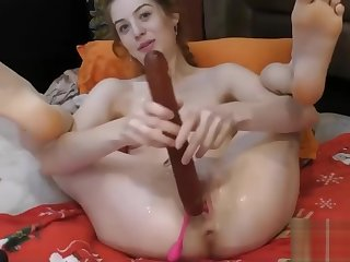 TEEN CAMGIRL SQUIRTS LIVE WITH VIBRATOR