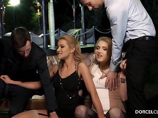 Hot blondes went out for a parrot designation with guys who just wanted near fuck them