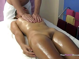 Nutriment Thai spread out massaged and fucked in happy ending massage