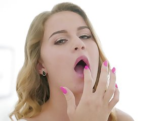 Second-rate tow-haired girlfriend Eleanor moans dimension having nice sex