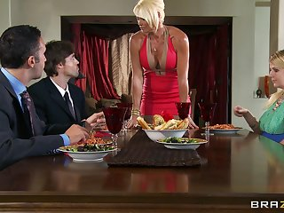 Rhylee Richards spreads her long legs for her lover up put emphasize scullery