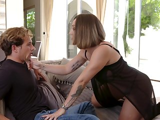 Fucking awesome Spanish MILF Betty Foxxx is made to fright fucked daily