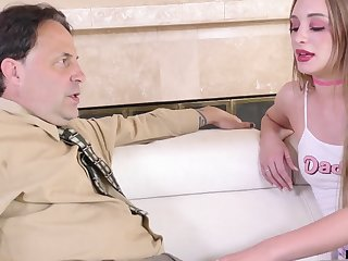 Young promiscuous woman gives her stepdad's cock one exceeding one attention