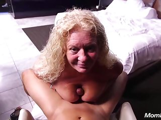 Lila Curvy Blonde Natural Milf