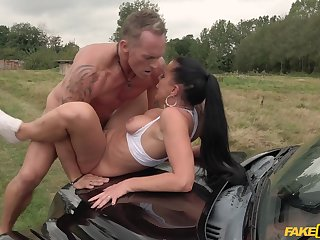 Trollop gets laid with the taxi driver in a crazy XXX play