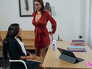 Alexis Fawx and Katya Rodriguez play with their pussies not susceptible the table