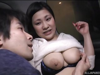 Chubby Japanese gets her pair and pussy pleasured in dramatize expunge van