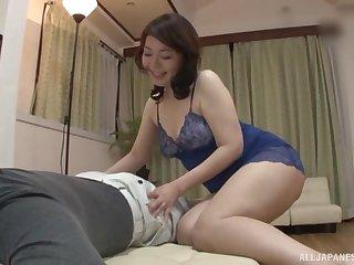 Oversexed Japanese housewife Ono Sachiko gets fucked in the bedroom